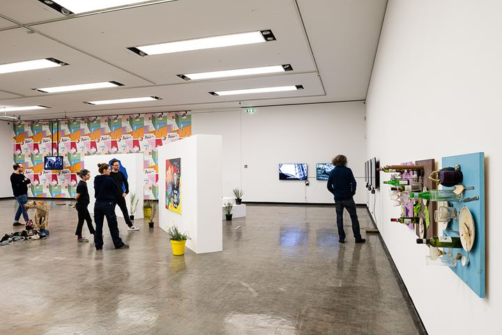 Exhibition view: ... of bread, wine, cars, security and peace, Kunsthalle Wien, Vienna (8 March–8 May 2020). Courtesy the artist. Photo: Jorit Aust.