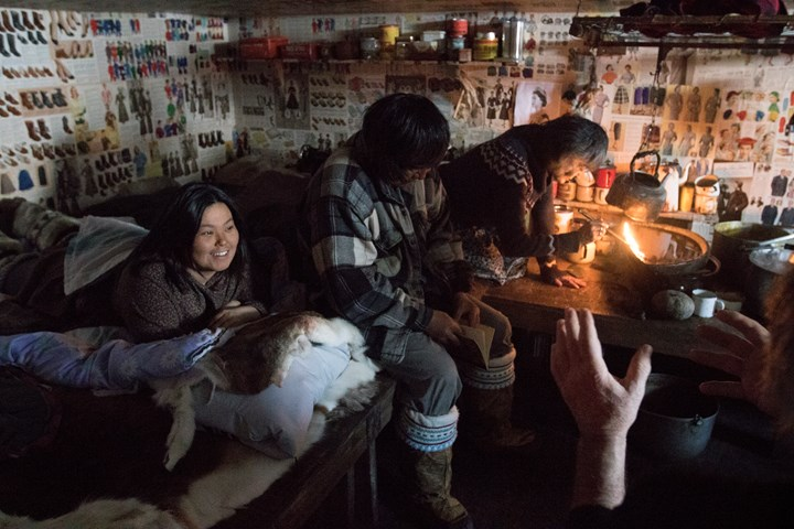 Actors on set during filming of One Day in the Life of Noah Piugattuk (2018) by Isuma. Photographer: Levi Uttak. Copyright: Isuma Distribution International.