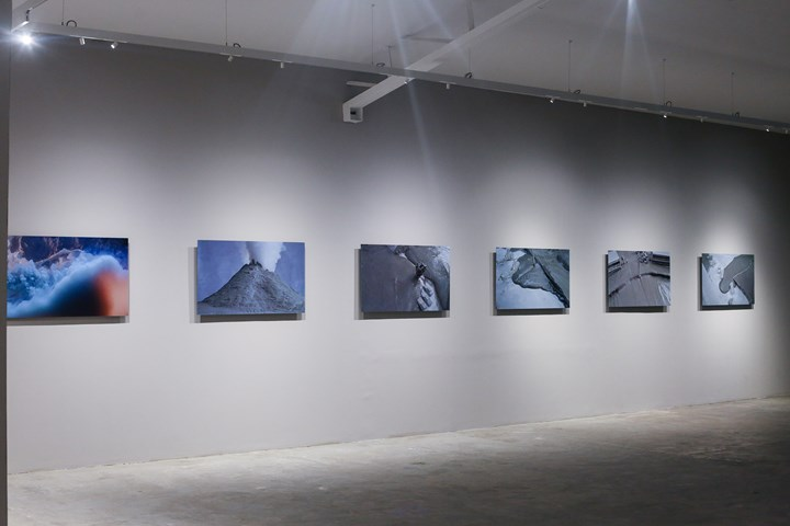 Lucy Raven, Fire and Mud (2018–2019). Six digital photographs mounted on Sintra. Exhibition view: Internal Properties of the Earth, Bellas Artes Projects Outpost (29 January–13 April 2019). Courtesy Bellas Artes Projects.