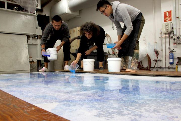 Shirazeh Houshiary during her residency at STPI – Creative Workshop & Gallery. Courtesy STPI – Creative Workshop & Gallery.