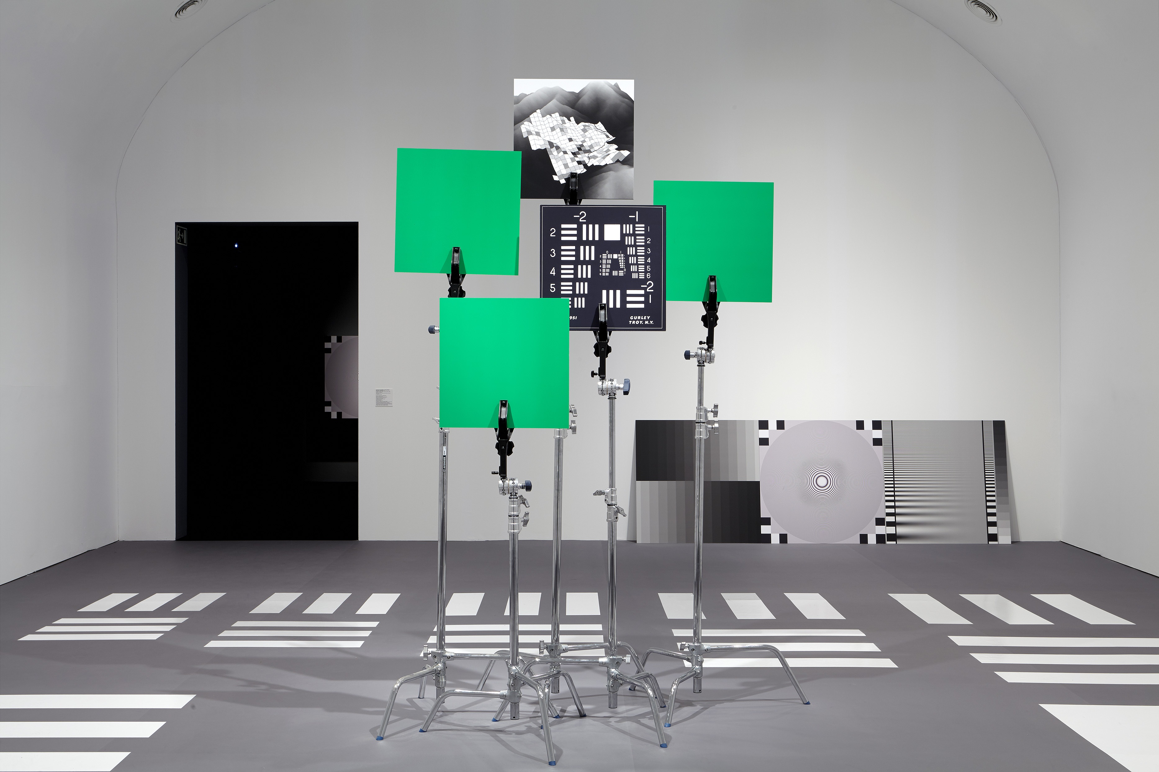 Hito Steyerl, How Not to Be Seen: A Fucking Didactic Educational .MOV File (2013). Exhibition view: Duty-Free Art, Museo Nacional Centro de Arte Reina Sofía, Madrid (11 November 2015–21 March 2016). Courtesy the artist, Andrew Kreps Gallery, New York; Esther Schipper, Berlin.