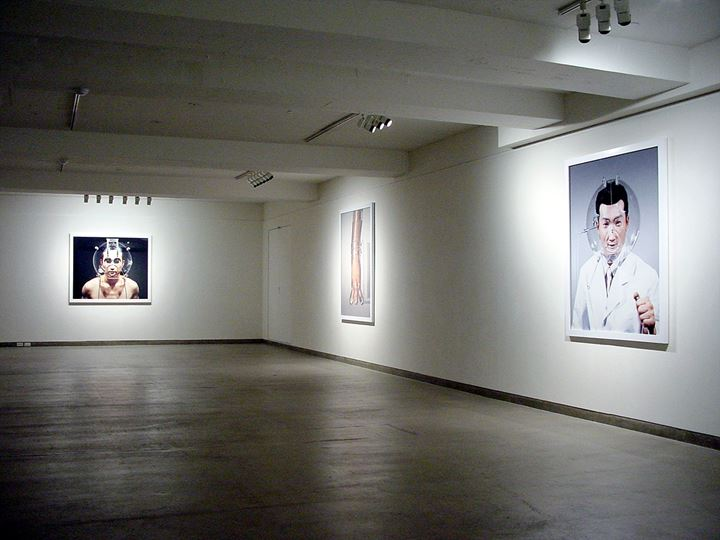 Exhibition view: Hyungkoo Lee, The Objectuals, Sungkok Art Museum, Seoul (2004). Courtesy the artist and P21, Seoul.