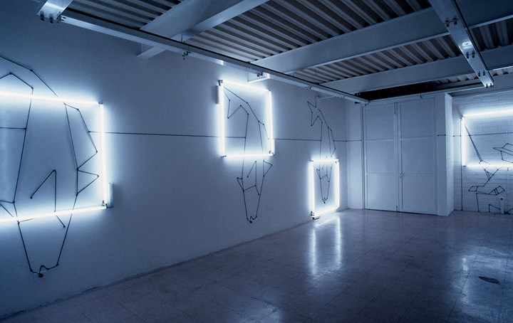 Iván Navarro, Camping Day (1996). Fluorescent light tubes, electric wall cables, electric energy. Approxinately 500 square feet. Exhibition view: thesis show, Catholic University, Santiago, Chile. Courtesy the artist.