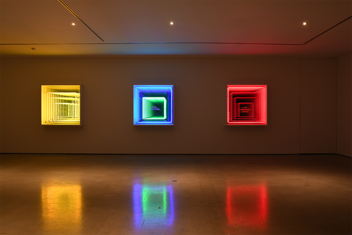 Iván Navarro, Murio La Verdad (2013); Nada (Ello Dira) (2013); No Se Puede Mirar (2013) (left to right). Neon, wood, paint, timer, mirror, one-way mirror and electric energy. 121.9 x 121.9 x25.4 cm each. Exhibition view: The Moon in the Water, Gallery Hyundai, Seoul (20 April–3 June 2018). Courtesy Gallery Hyundai, Seoul.