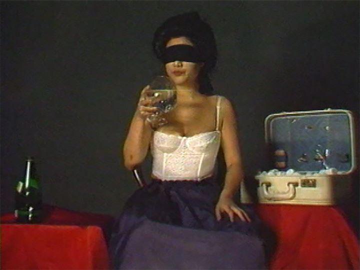 Patty Chang, Shaved (At a Loss) (1998) (Still). Courtesy the artist.