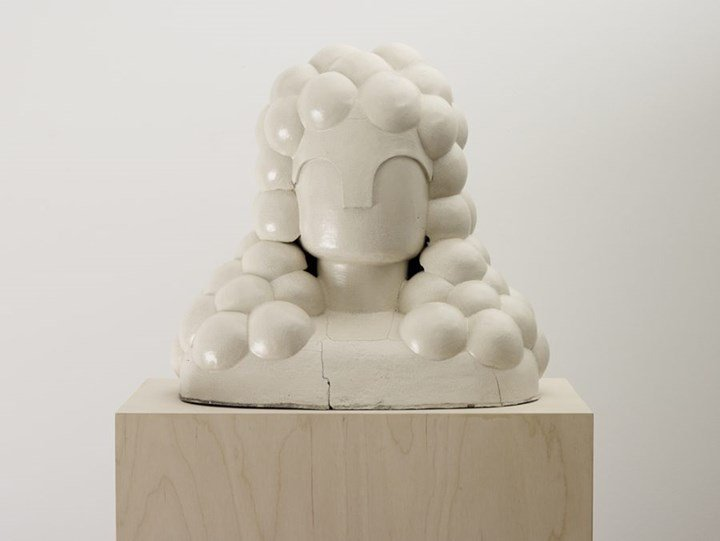 Renee So, Chan (2009). Glazed ceramic. 43 x 40 x 28 cm. Exhibition view: Bellarmines and Bootlegs, Henry Moore Institute, Leeds (8 March–2 June 2019). Courtesy Henry Moore Institute.
