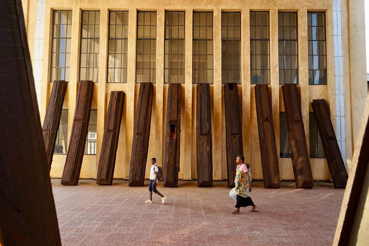 Ibrahim Mahama, Strangers to lines (2019). Exhibition view: Lubumbashi Biennale, Institute of Fine Arts, Lubumbashi (24 October–24 November 2019). Photo: © Julien De Bock.