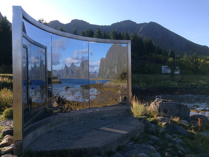 Dan Graham, Untitled (1996). Exhibition view: Artscape Nordland, Lyngvær. Photo: Cathryn Drake.