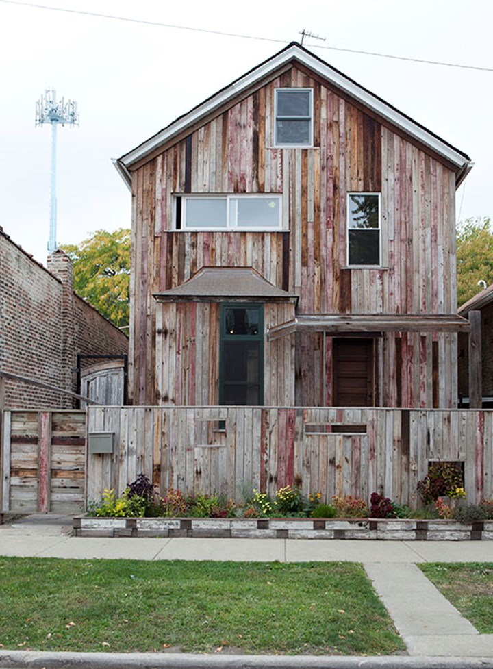 Theaster Gates, Dorchester Projects, Chicago (2012). © Theaster Gates. Courtesy White Cube. Photo © Sara Pooley.