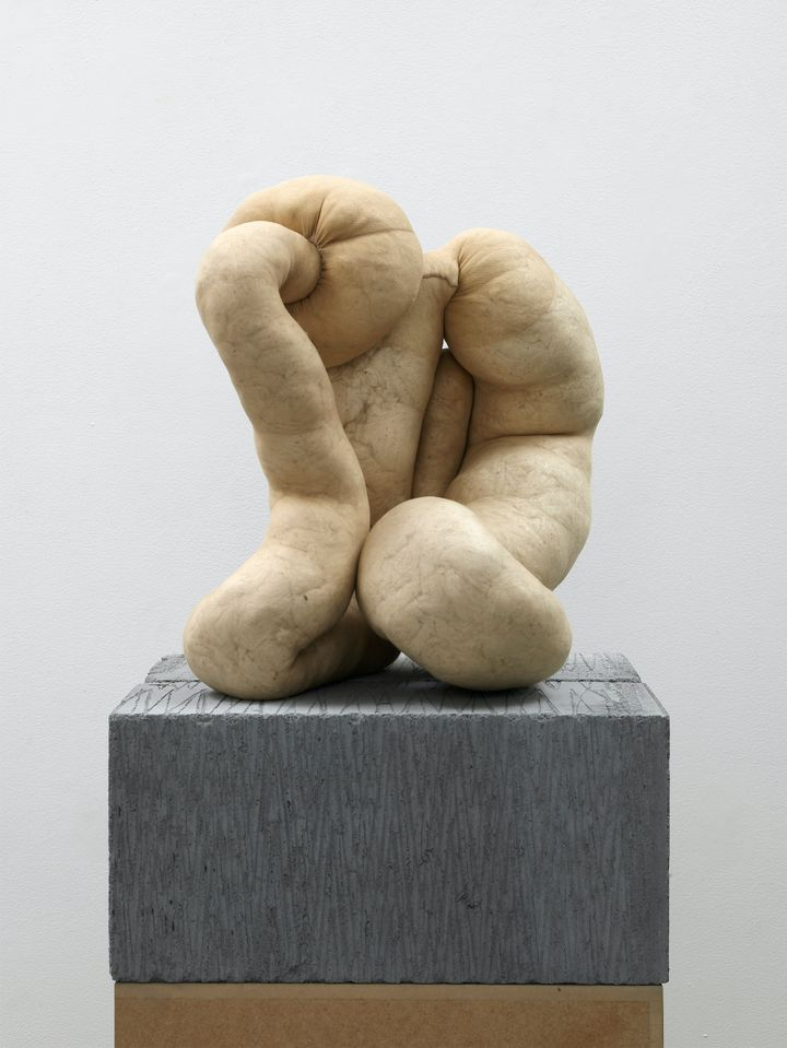 Sarah Lucas, NUD CYCLADIC 7 (2010). Courtesy Arts Council Collection, Southbank Centre, London. © the artist. Purchased with the assistance of the Art Fund.