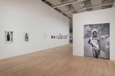 Exhibition view: Zanele Muholi, Tate Modern (5 November 2020–31 May 2021).