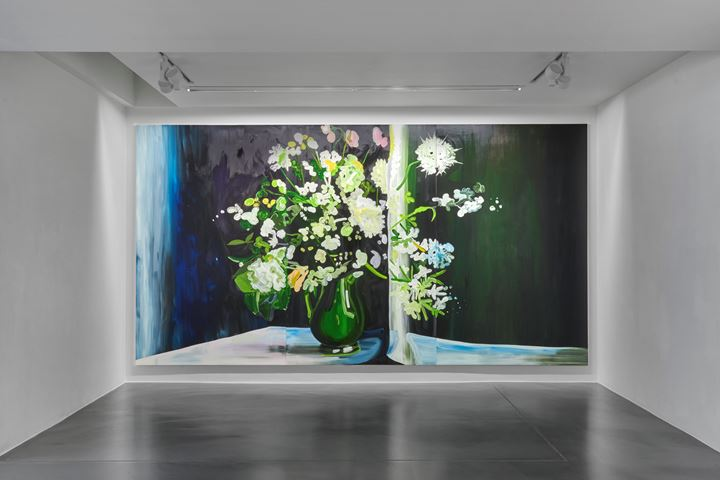 Clare Woods, Still Even (2019). Oil on aluminium. Three panels, each: 260 x 154 x 3 cm; overall: 260 x 462 x 3 cm. Exhibition view: Doublethink, Simon Lee Gallery, London (6 September–5 October 2019). Courtesy Simon Lee Gallery.
