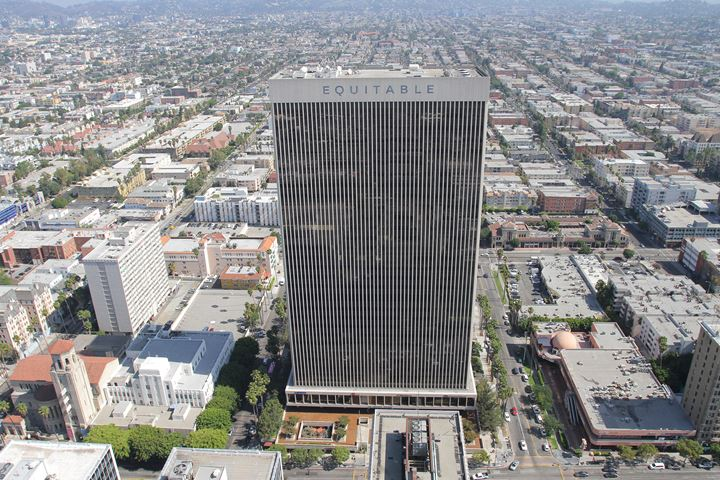 Equitable Life Building, Los Angeles. Courtesy Equitable Vitrines.