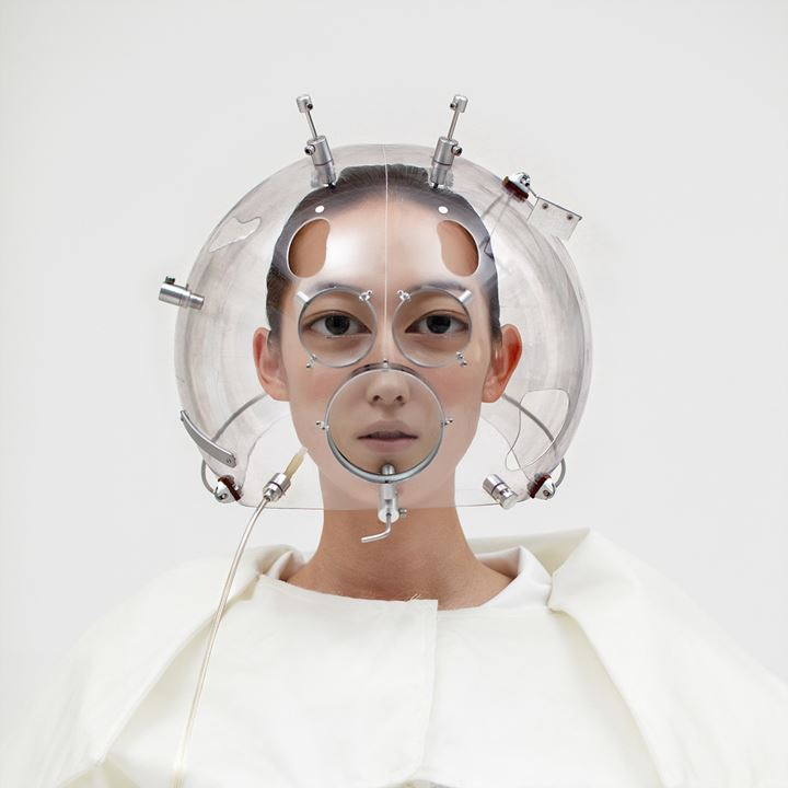 Hyungkoo Lee, Altering Facial Features with WH5 (2010). 121 x 121 cm. C-print. Courtesy the artist and P21, Seoul.