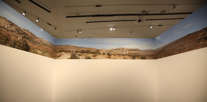 Ahed Izhiman, The Ring (2017). Photographic installation. Exhibition view: Jerusalem Lives (Tahyah Al Quds), Palestinian Museum, Birzeit (27 August 2017–31 January 2018). Courtesy Palestinian Museum. Photo: © Hamoudi Shehadeh.
