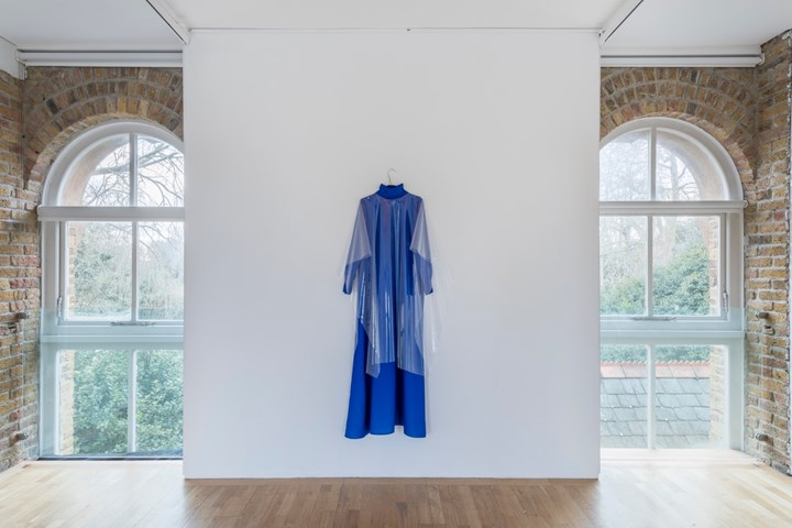 Sriwhana Spong, HZ Dress C (2018). Exhibition view: a hook but no fish, Pump House Gallery, London (10 January–1 April 2018). Courtesy the artist, Pump House Gallery, London; and Michael Lett, Auckland. Photo: Damian Griffith.