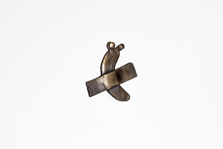 Valentin Demarco, Mi Puñando de Explain Año 3001 (My Handful of Melancholy Year 3001) (2020). Installation of brass sculptures. Photo Santiago Orti. Courtesy the artist and Isla Flotante.