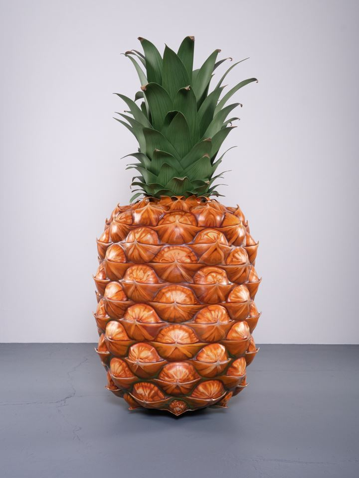 John Baldessari, Pineapple (2019). Polyurethane, stainless steel, Kydex, wood, and paint, edition of 3. 200.66 x 96.52 x 96.52 cm. Courtesy Beyer Projects.