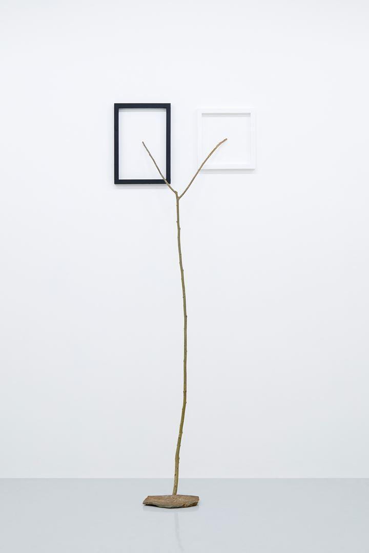 Kishio Suga, Latent Depths (2018). Wood, acrylic, stone, 255.1 x 95.7 x 82.3 cm. ©Kishio Suga, Courtesy of Tomio Koyama Gallery.