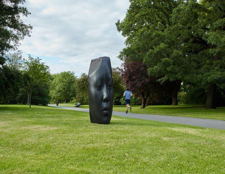 Jaume Plensa, Laura Asia's Dream (2018). Exhibition view: Frieze Sculpture, Regent's Park, London (3 July–6 October 2019). Courtesy Lawrie Shabibi, Stephen White/Frieze. Photo: Stephen White.