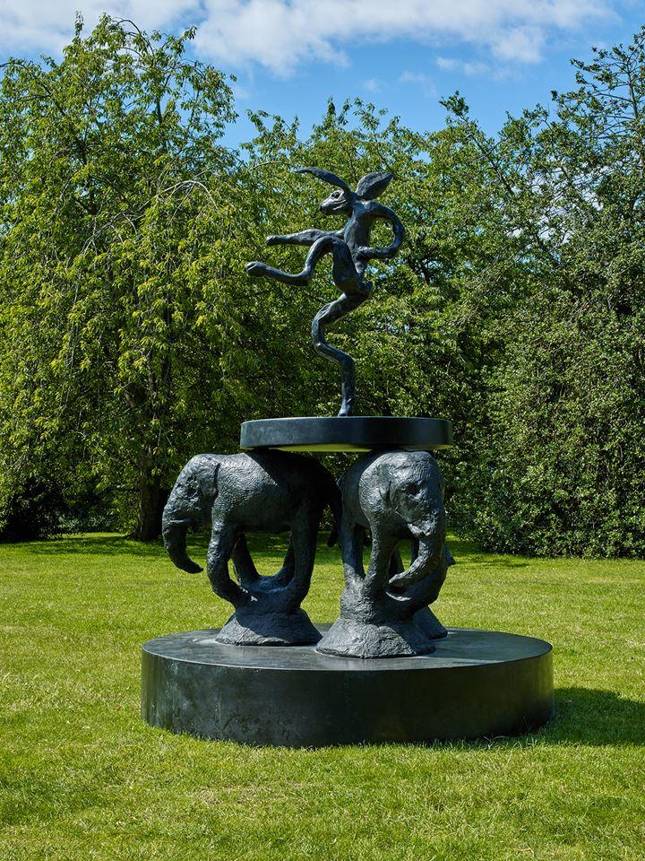 Barry Flanagan, Composition (2008). Exhibition view: Frieze Sculpture, Regent's Park, London (3 July–6 October 2019). Courtesy Waddington Custot, Stephen White/Frieze. Photo: Stephen White.