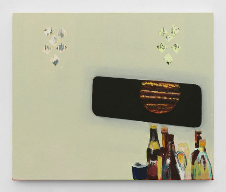 A planet resembling Mars appears through a black portal in a painting by Dexter Dalwood. The portal is placed on a light yellow background. Below it, there is an assortment of liquor bottles.