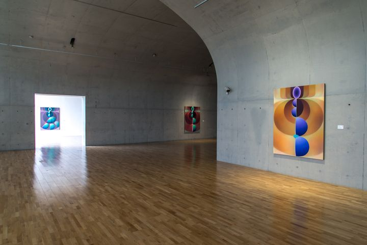 Exhibition view: Loie Hollowell, Recalibrate, Long Museum West Bund, Shanghai (24 April–11 July 2021). Courtesy Long Museum West Bund.