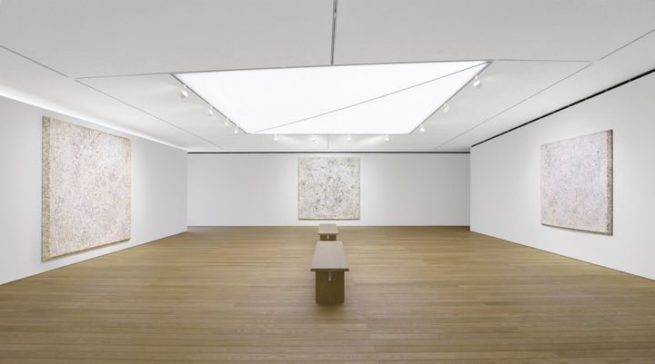 Installation view of Sam Gilliam paintings at Pace Gallery Seoul.