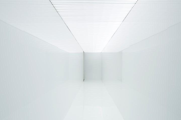 Ryoji Ikeda, spectra III (2008). LED lighting tubes, laminated white wooden panels. Exhibition view: May You Live in Interesting Times, 58th International Art Exhibition - La Biennale di Venezia (11 May–24 November 2019). Photo: Francesco Galli.