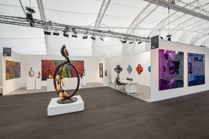 Exhibition view: Gow Langsford Gallery, Auckland Art Fair, The Cloud, Auckland (2–5 May 2019). Courtesy Gow Langsford Gallery.