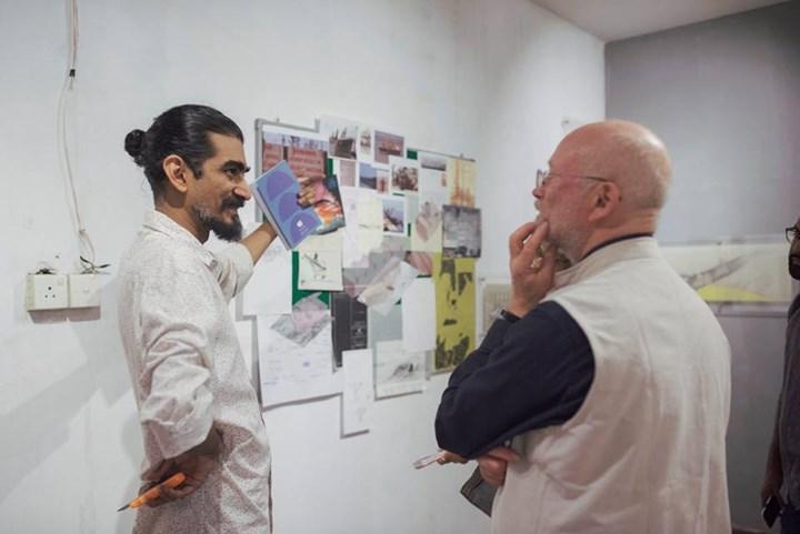 Ranjit Kandalgaonkar presenting his work at Colomboscope 2019: Sea Change (25–31 January 2019). Courtesy Colomboscope.