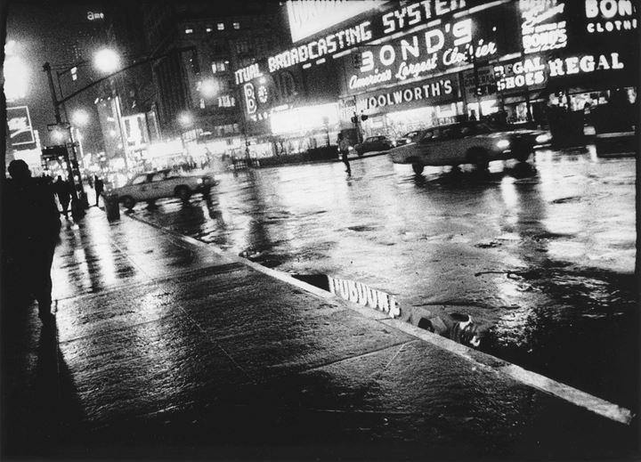 Daido Moryama, Another Country in New York (1974/2011). Gelatin silver print. 51 x 60 cm. Courtesy Reflex Amsterdam.