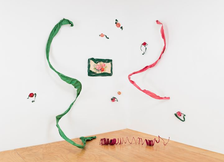 Ree Morton, For Kate (1976). Oil on wood and wire and enamel on celastic. 12 parts; 304.8 × 396.2 × 152.4 cm overall; installation dimensions variable. Courtesy the Estate of Ree Morton and Alexander and Bonin, New York. Photo: Joerg Lohse.