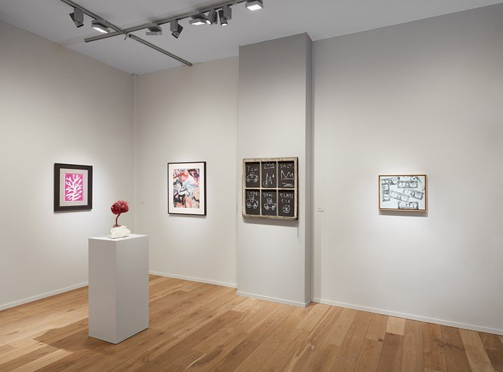 Henri Matisse, Arbre de neige (1947); Yves Klein, Untitled Pink Sponge Sculpture (SE 204) (1959; Willem de Kooning, TKTK; Jean-Michel Basquiat, Extra Cigarette; Andy Warhol, One Dollar Bills (1962) (left to right). Exhibition view: Lévy Gorvy, TEFAF New York Spring (4–8 May 2018). Courtesy Lévy Gorvy, New York/London.