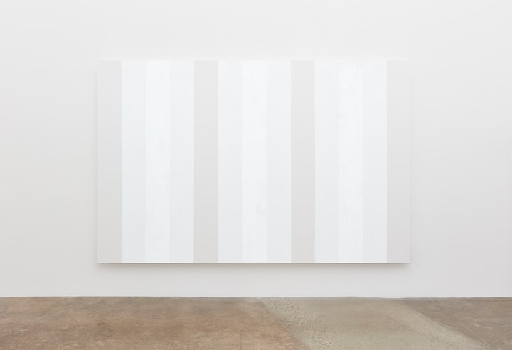 Mary Corse, Untitled (White Multiband, Beveled) (2019). Glass microspheres in acrylic on canvas, 198.1 cm × 304.8 cm. © Mary Corse Courtesy Kayne Griffin Corcoran, Lisson Gallery, and Pace Gallery.