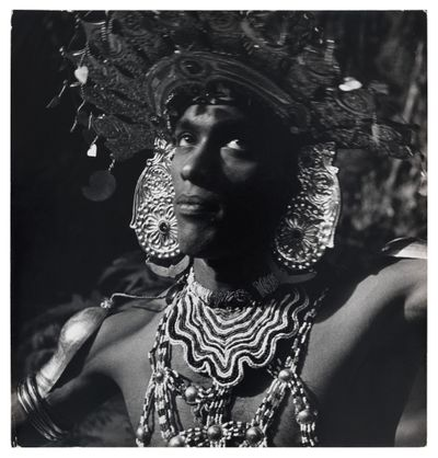 Reg van Cuylenburg, Dancer at the Annual Procession of the Tooth Relic, Sri Lanka, Kandy (1957). Silver gelatin print. 27.94 × 26.67 cm. Los Angeles County Museum of Art, gift of Margaret Kay Dodd, The Estate of Reg van Cuylenburg, © The Estate of Reg van Cuylenburg, digital image © Museum Associates/LACMA.