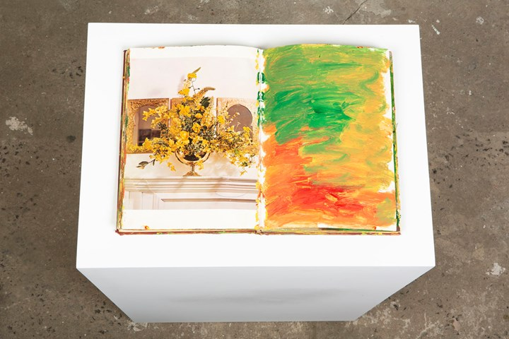 Purvis Young, Flower Arrangement (c. 1990s). Mixed-media, found book. 33 x 24 x 3 cm. Exhibition view: Purvis Young, Salon 94, New York (26 February–23 March 2019). Courtesy Salon 94.
