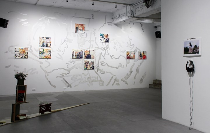 Hyein Lee, 'XDXD' (2018). Oil on linen, mural, sound installation in collaboration with Lu Yi. 37.7 x 45.5 cm each. Exhibition view: Will You Be There?, Project Fulfill Art Space, Taipei (29 December 2018 –2 February 2019). Courtesy the artist and Project Fulfill Art Space.