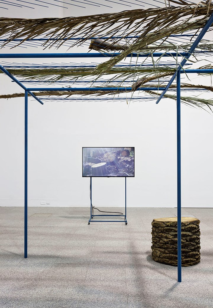 Pedro Barateiro, The Current Situation (2015). Exhibition view: 20th Contemporary Art Festival Sesc_Videobrasil, Sesc Pompéia, São Paulo (3 October 2017–14 January 2018). Courtesy Sesc_Videobrasil.