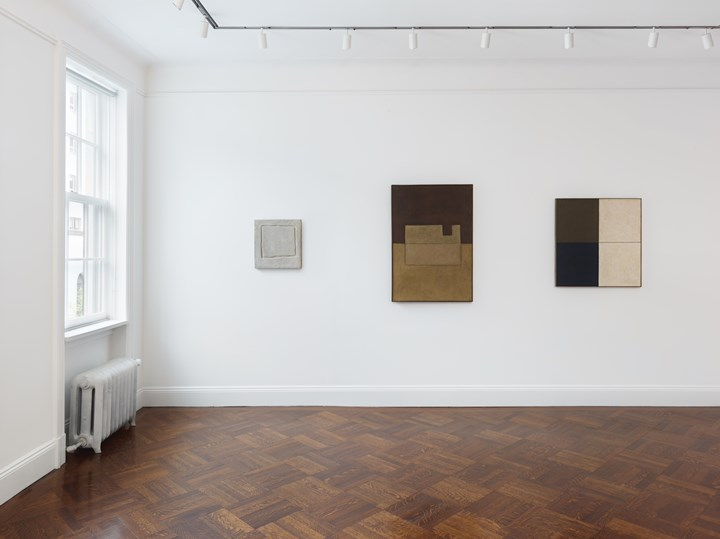 Exhibition view: Works by Mira Schendel in Visions of Brazil: Reimagining Modernity from Tarsila to Sonia, Blum & Poe, New York (30 April–22 June 2019). Courtesy Blum & Poe, Los Angeles/New York/Tokyo. Photo: Genevieve Hanson.