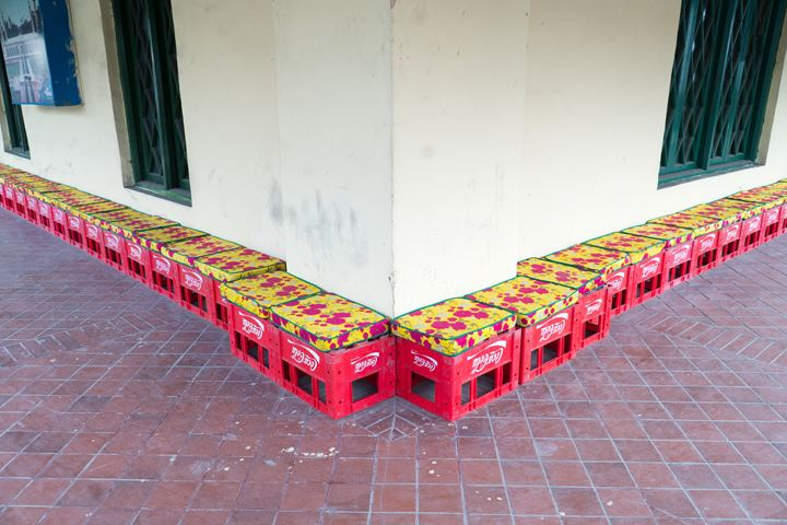 Hassan Hajjaj, site-specific installation. Exhibition view: between the sun and the moon, Lahore Biennale, Tollinton Market, Lahore (26 January–29 February 2020). Courtesy Lahore Biennale Foundation.