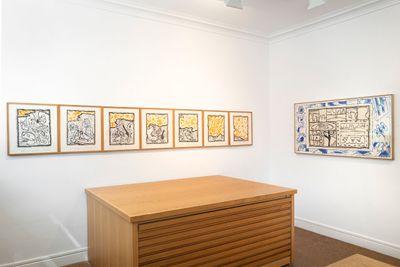 Exhibition view: Pierre Alechinsky, Alechinsky with Kolar and Balzac, Galerie Lelong & Co., Paris (9 September–10 November 2021). © Pierre Alechinsky and the Estate of Jiri Kolar.