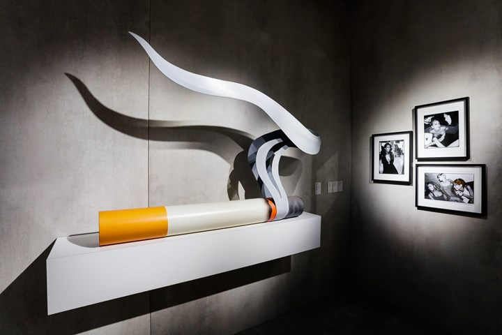 Tom Wesselmann, Smoking Cigarette #1 (1980). Oil on wood and masonite, formica base. 127 x 186.7 x 25.4 cm; TKTK Exhibition view: Galerie Gmurzynska, TEFAF New York Spring (4–8 May 2018). Courtesy Ocula. Photo: Charles Roussel.