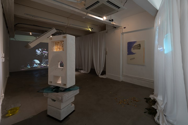 Exhibition view: Fan Death in Bedroom, Bedroom, Hong Kong (16 September–25 November 2018). Courtesy Bedroom. Photo: Kwan Sheung Chi.