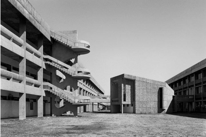 Madan Mahatta, Lecture Hall (1967). © Madan Mahatta Archives. Courtesy PHOTOINK.