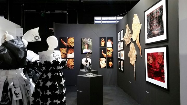 Exhibition view: Native Hands, Blak Dot Gallery, Melbourne Art Fair, Riding Hall (2–5 August 2018). Courtesy Blak Dot Gallery.