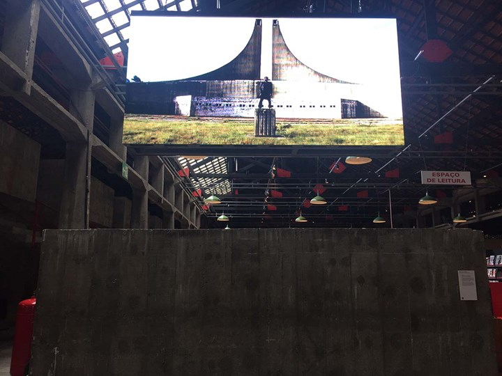 Thando Mama, Of Nationhood (2015). Exhibition view: 20th Contemporary Art Festival Sesc_Videobrasil, Sesc Pompéia, São Paulo (3 October 2017–14 January 2018). Photo: Camila Belchior.