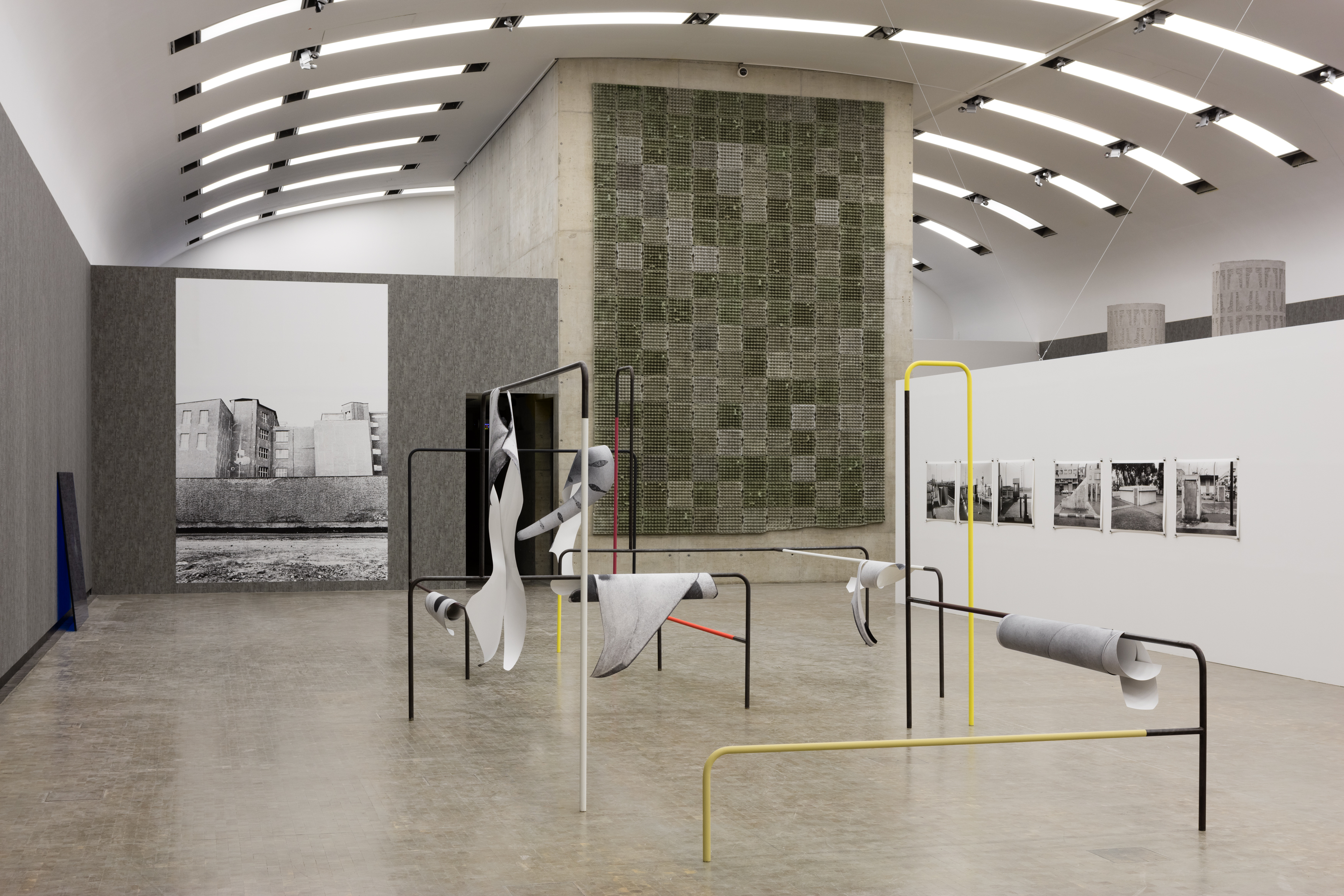 Image: Exhibition view, Béton, Kunsthalle Wien 2016. Photo: Stephan Wyckoff.