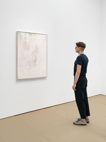 Exhibition view: Octav Grigorescu,LORA TAU and other stories, Galeria Plan B, Berlin (3 July–1 August 2020). Courtesy Galeria Plan B.