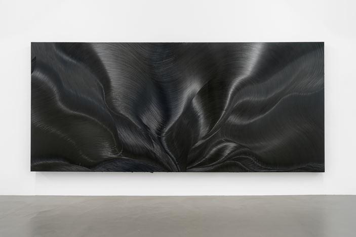 Jason Martin,Vertigo(2006). Exhibition view: Jason Martin, Vertigo, Buchmann Galerie, Berlin (28 September–3 November 2018). Courtesy Buchmann Galerie.